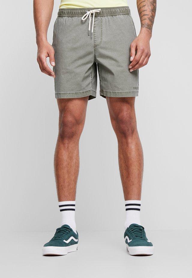 TAXER WS - Shorts - kalamata