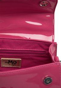 myMo at night - Handbag - pink - 5