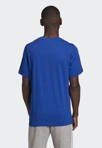 adidas Originals - TREFOIL LOGO OUTLINE T-SHIRT - Print T-shirt - blue - 1