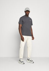 Kickers Classics - CLASSIC TEE - T-shirt z nadrukiem - grey - 1