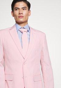 OppoSuits - LUSH BLUSH - Suit - light pink - 8