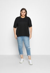 Even&Odd Curvy - Basic T-shirt - black - 0