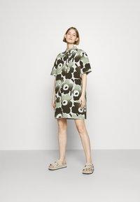 Marimekko - HEINIKKÖ PIENI UNIKKO DRESS - Shirt dress - green/dark green - 1