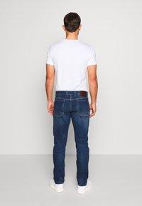 s.Oliver - HOSE LANG - Jeans Slim Fit - blue denim - 2