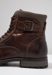 Jack & Jones - JFWALBANY - Lace-up ankle boots - brown stone - 5