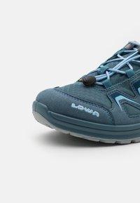 Lowa - INNOX EVO GTX LO JUNIOR UNISEX - Hiking shoes - jeans - 5