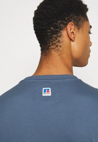 BOSS - BOSS X RUSSELL ATHLETIC - T-Shirt print - bright blue - 3