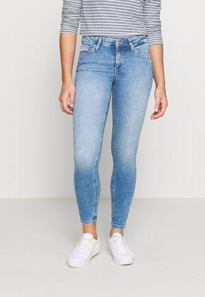 CARMEN - Jeans Skinny Fit - light blue denim