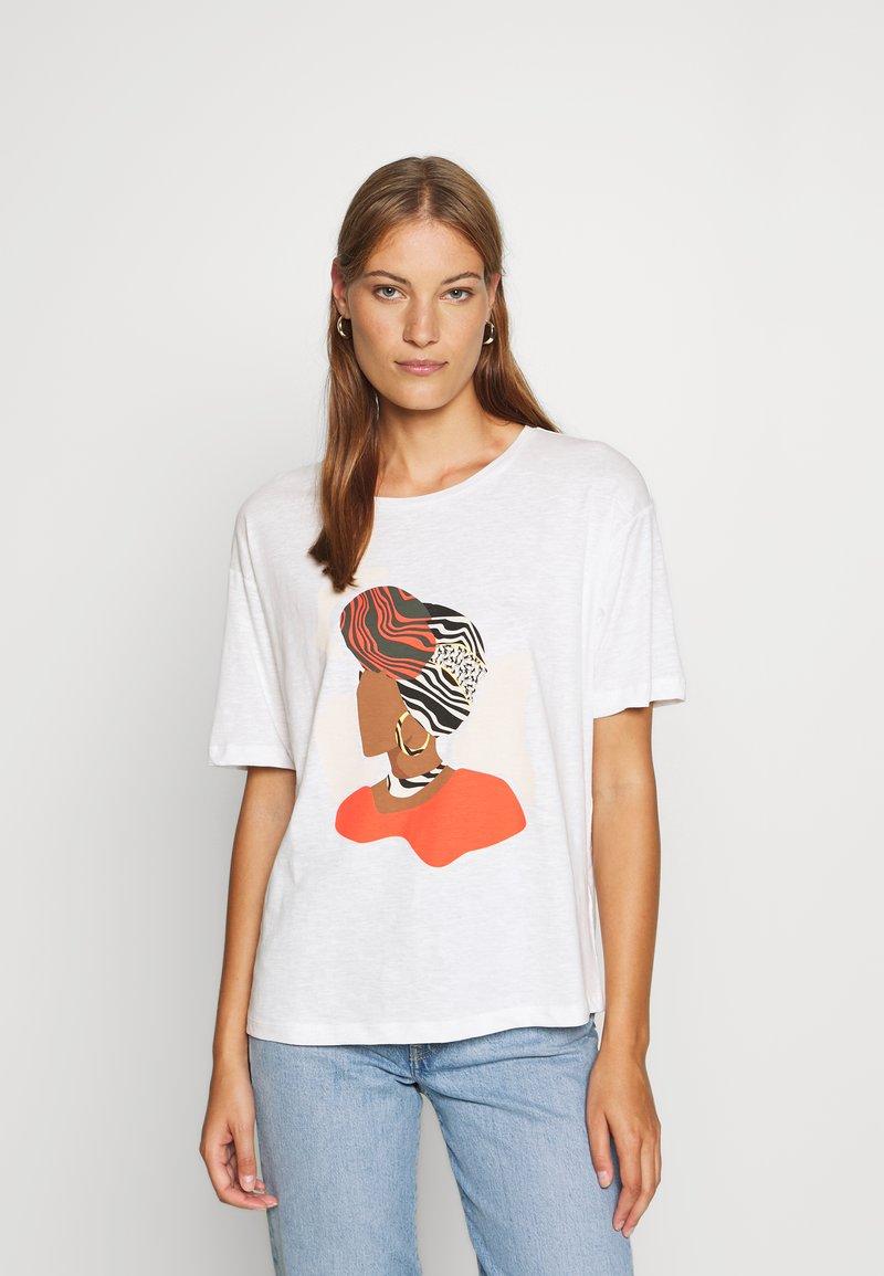 TOM TAILOR - FRONTPRINT OVERSIZED - Print T-shirt - whisper white