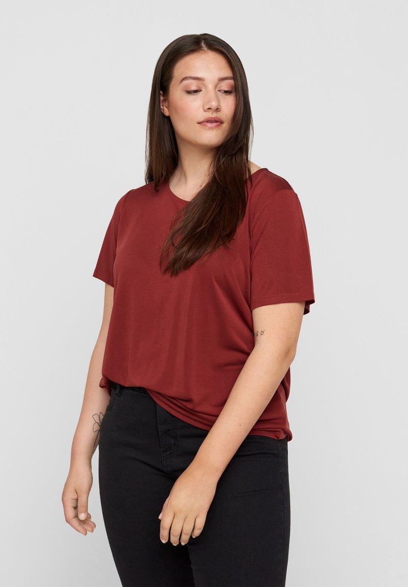 Zizzi - Basic T-shirt - madder brown