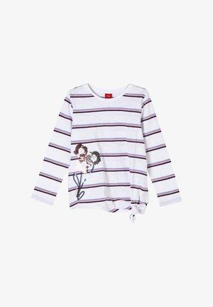 Long sleeved top - white stripes