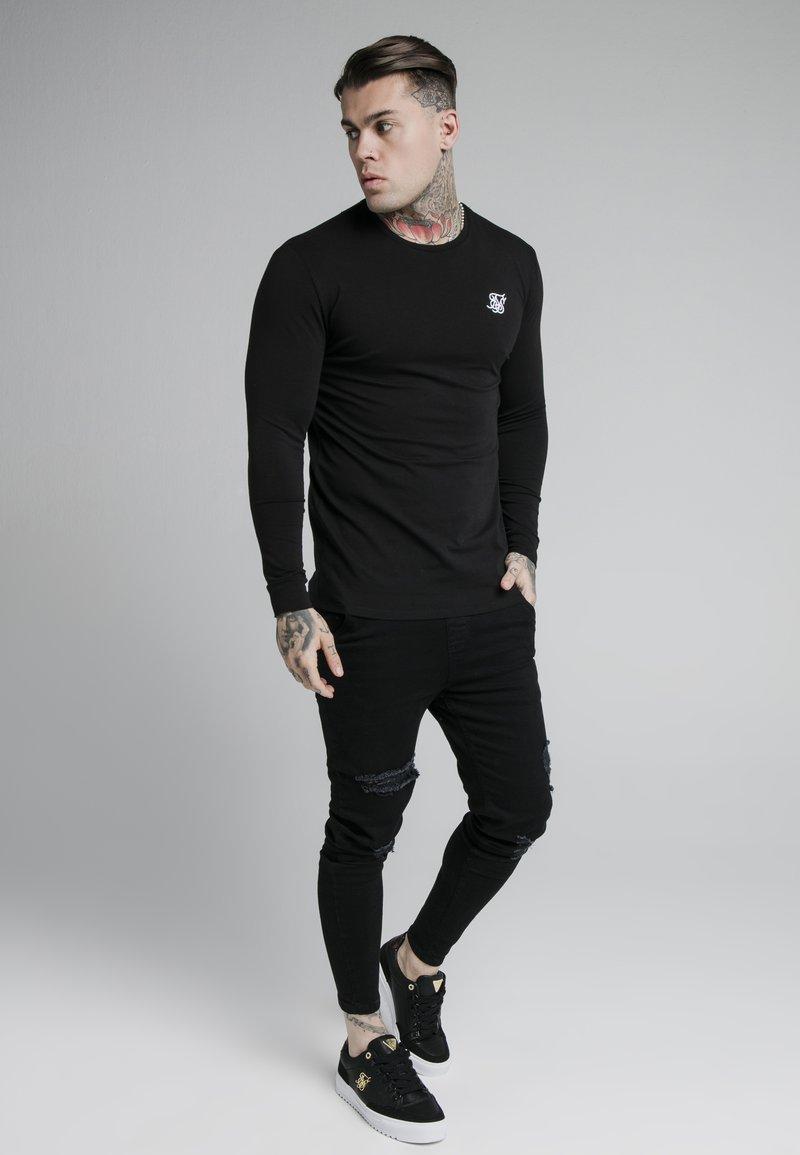 SIKSILK - LONG SLEEVE GYM TEE - Long sleeved top - jet black