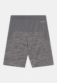 Nike Sportswear - Shorts - smoke gray heather - 1