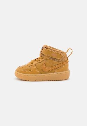 COURT BOROUGH MID UNISEX - Sneakers hoog - wheat/black/light brown