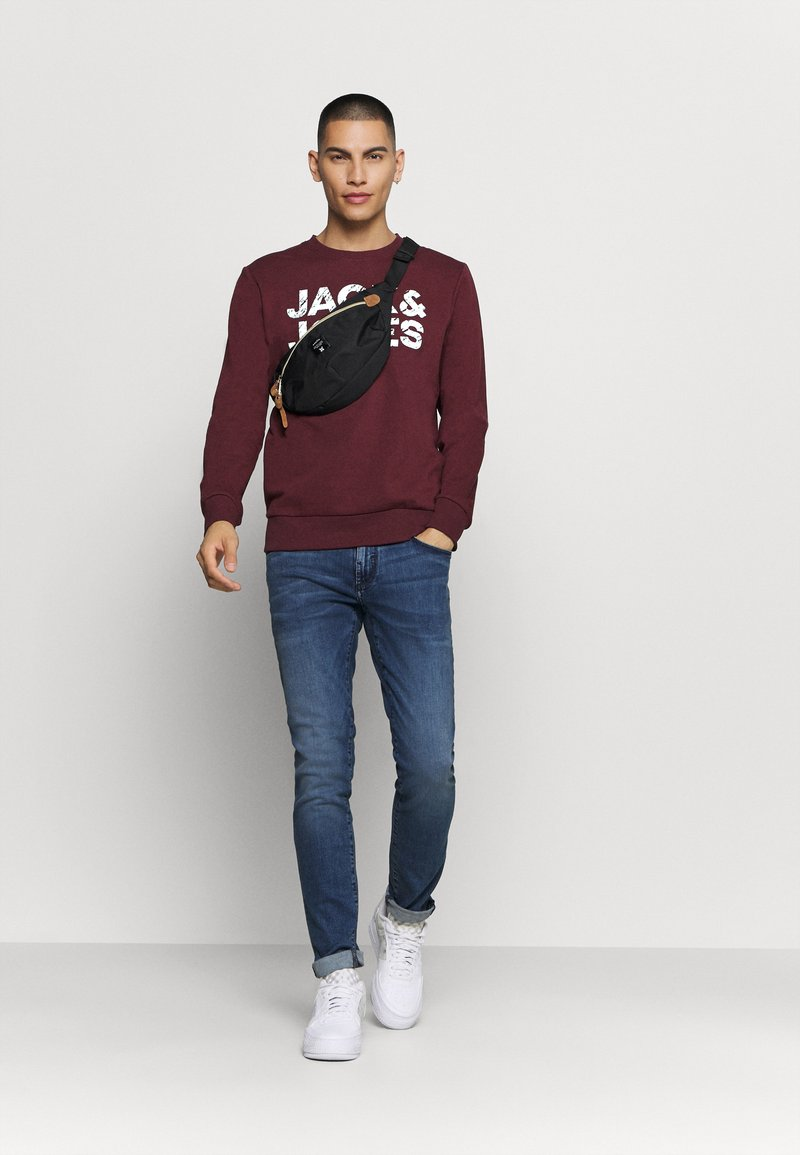 Jack & Jones JJHERO - Sweatshirt - port royale/bordeaux gIL3Yi