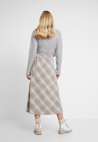 Lounge Nine - CHICILN TREND SKIRT - Áčková sukně - light grey melange - 2