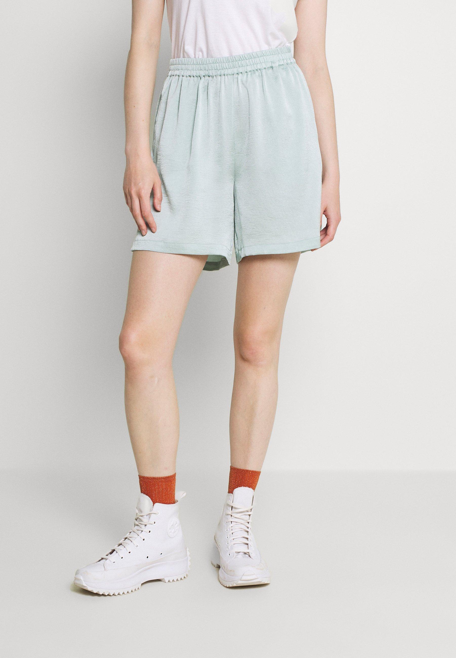 Women MATILLA - Shorts