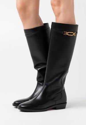 DEMINA FLAT - Vysoká obuv - black