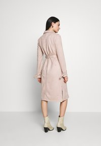 Dorothy Perkins - SUEDETTE DRING TRENCH COAT - Trench - blush - 2