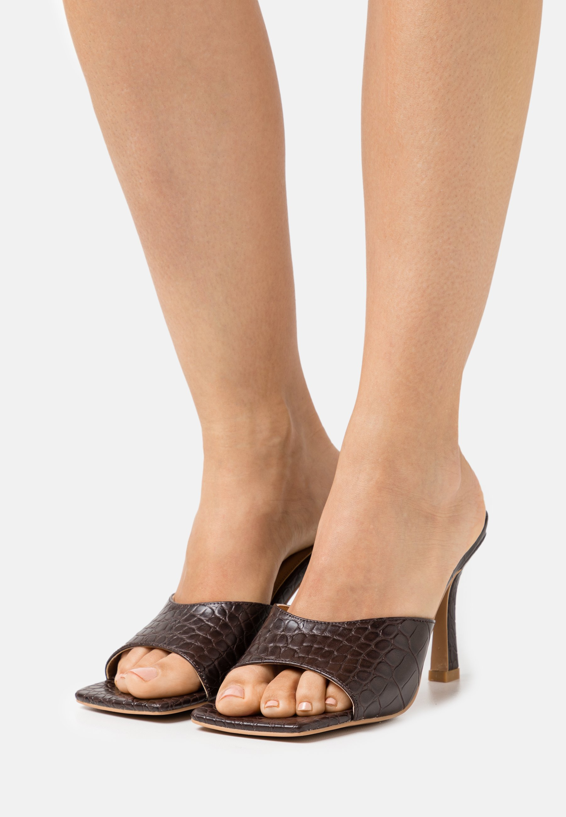Women ROUNDED STRAP MULES - Heeled mules