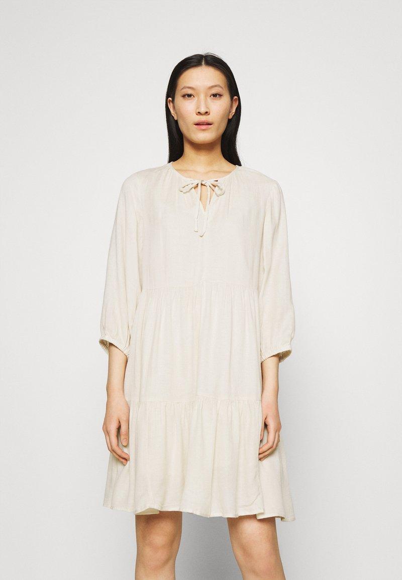 Selected Femme - SLFNAIDA SHORT DRESS - Day dress - sandshell