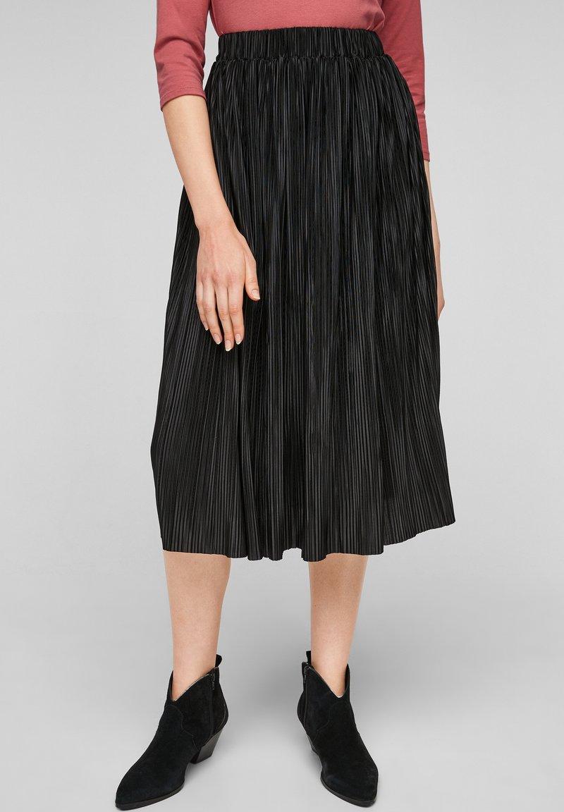 s.Oliver - Pleated skirt - black