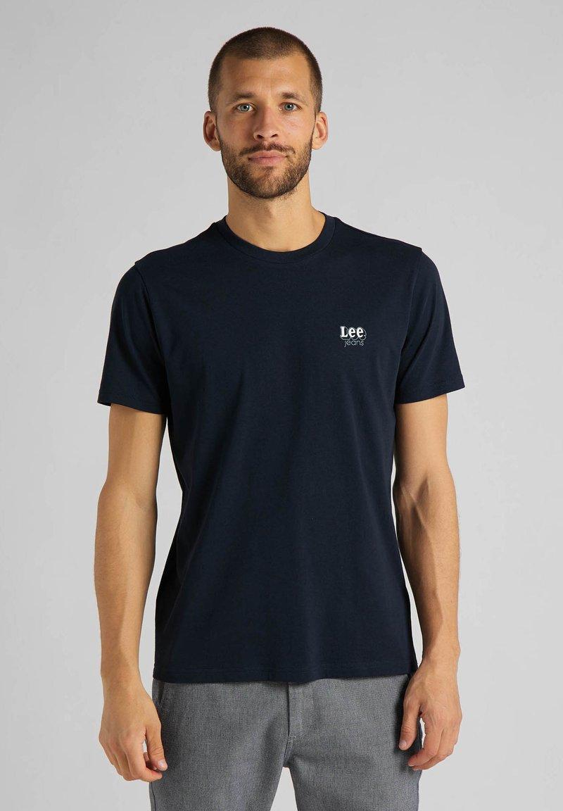 Lee - SS SMALL - Basic T-shirt - sky captain