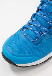 The North Face - W ACTIVIST FUTURELIGHT - Hikingsko - clear lake blue/black - 5