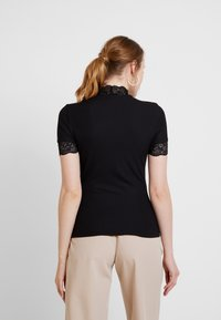 ONLY - ONLMOLLY - Print T-shirt - black - 2