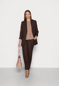 ARKET - Kalhoty - brown - 1