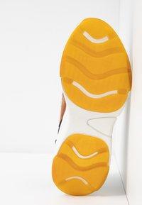 XTI - Sneakers - panama - 6