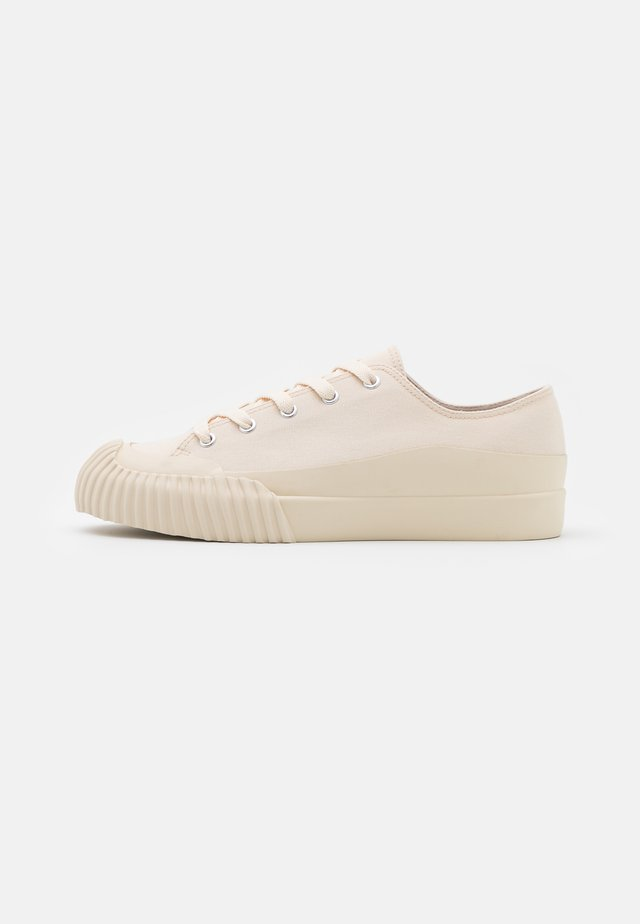 VEGAN SESAM - Sneakers laag - white dusty light