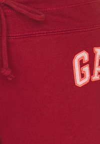GAP - FASH - Tracksuit bottoms - red spice - 2