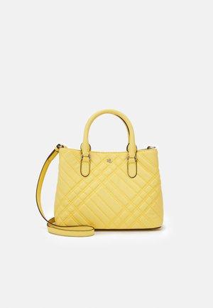 PLAID QUILTD PEBBLE MARCY - Handbag - beach yellow