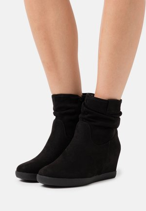 HAWAI - Wedge Ankle Boots - black