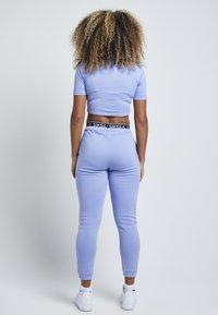SIKSILK - Basic T-shirt - violet - 2
