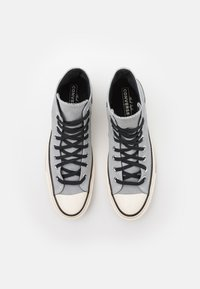 Converse - CHUCK TAYLOR ALL STAR 70 UNISEX - Höga sneakers - ash stone/black/egret - 3