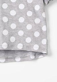Zalando Essentials Kids - T-shirt print - mottled light grey - 2