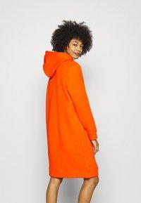 Tommy Hilfiger - HOODIE DRESS - Day dress - princeton orange - 2