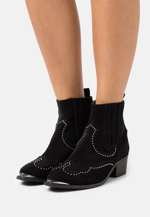 RUTH - Cowboy/biker ankle boot - black