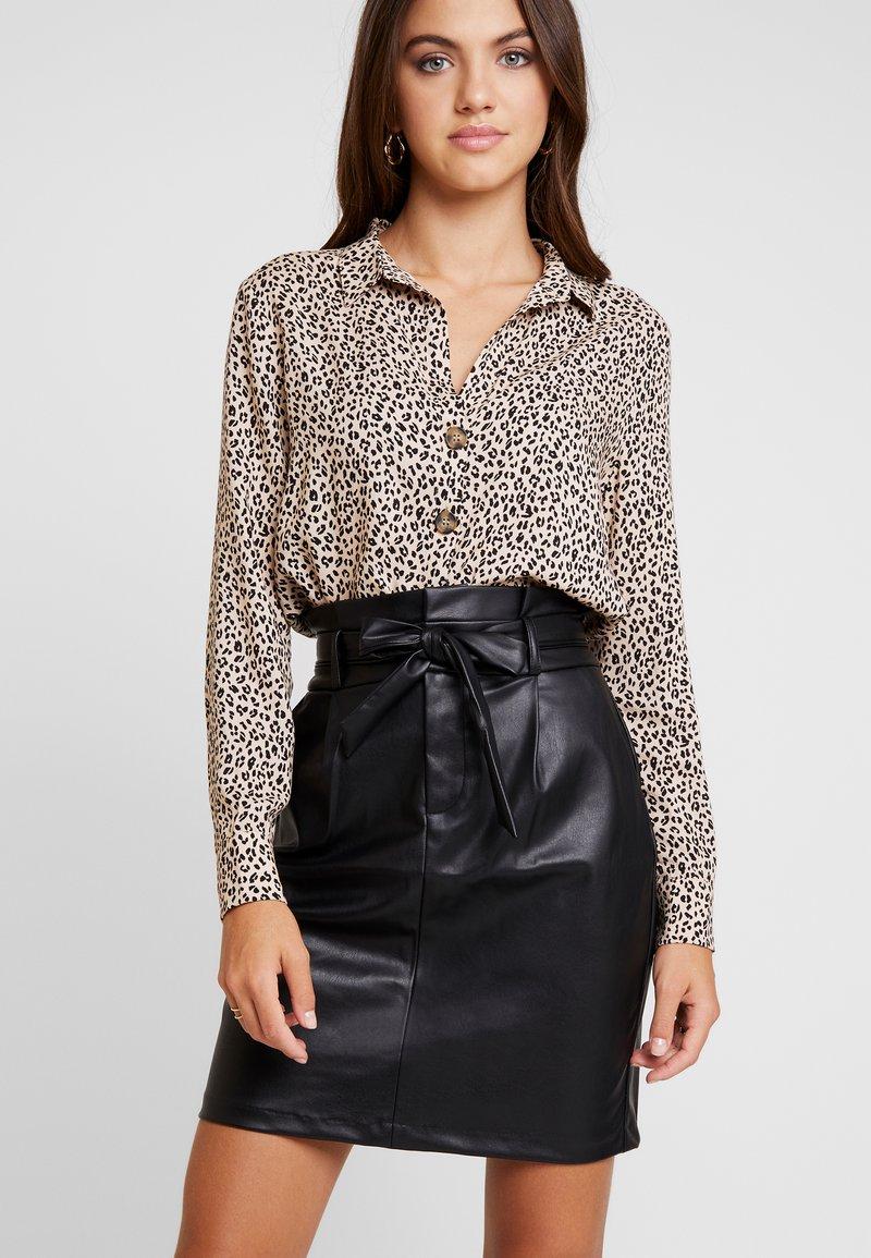 Vero Moda - VMEVA PAPERBAG SHORT SKIRT - Mini skirt - black