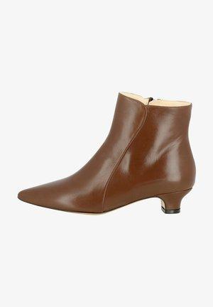 GIORGIA - Korte laarzen - braun
