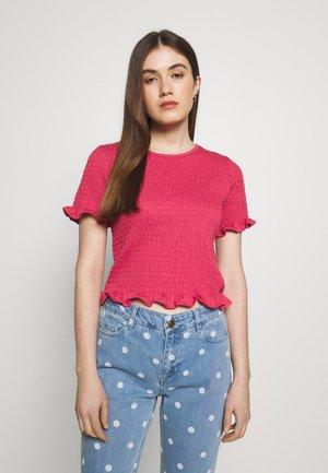TWIG - Print T-shirt - holly berry