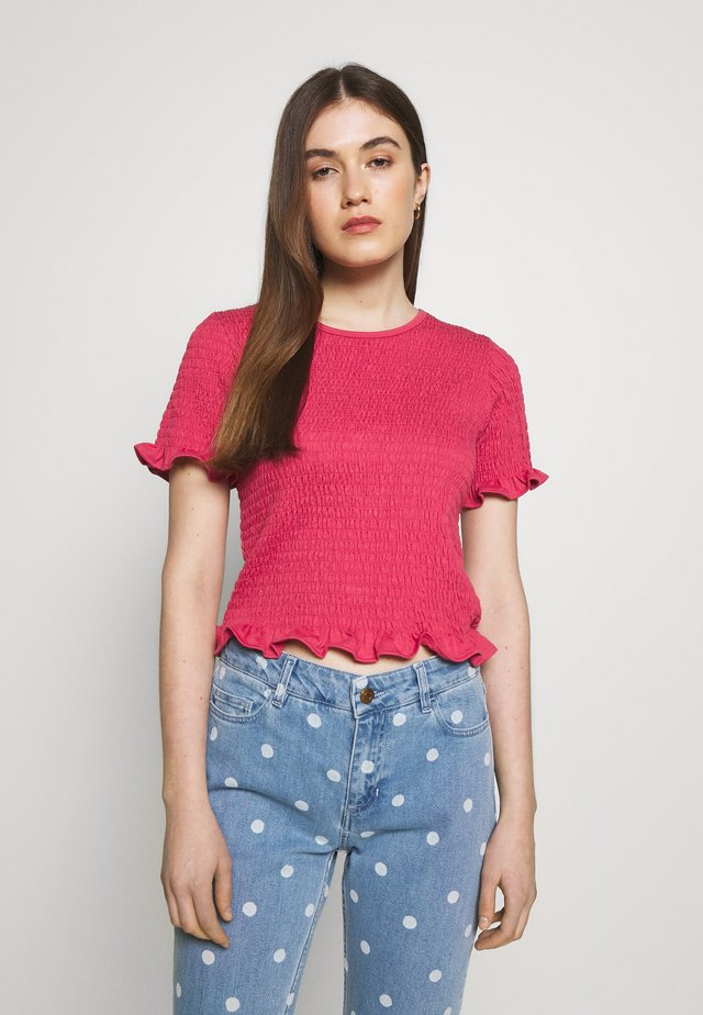 TWIG - T-shirts med print - holly berry
