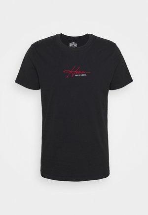 TECH SOLIDS EMEA - Print T-shirt - black