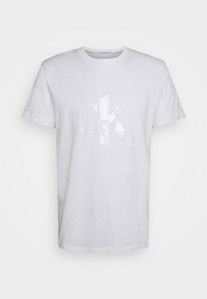 MONOGRAM WATERBASE TEE UNISEX - T-shirt imprimé - bright white