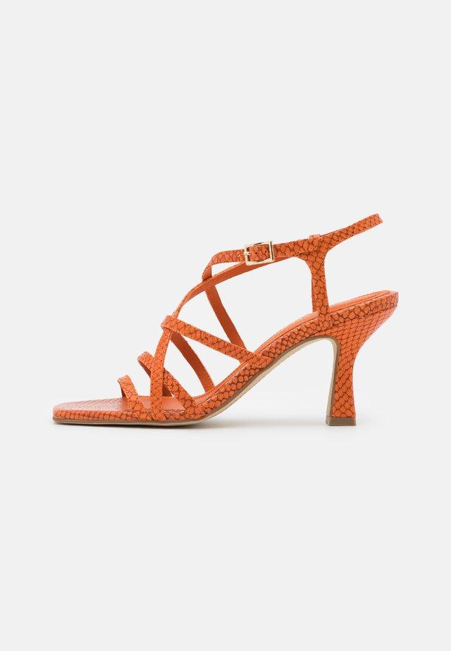 Sandaler - papua arancio