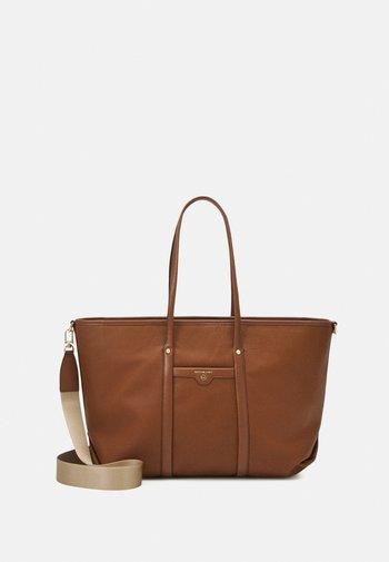 BECK TOTE - Tote bag - luggage