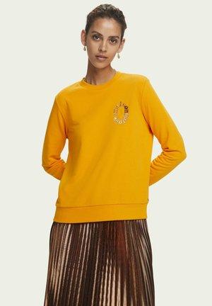 ARTWORK  - Sweater - bright orange