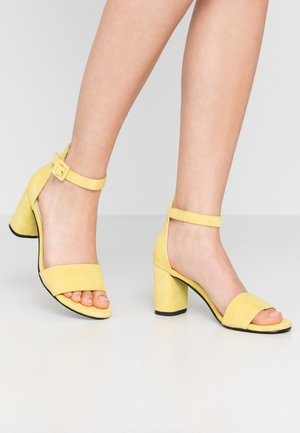 PENNY - Sandals - citrus